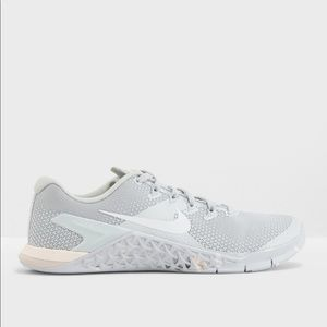 Nike Shoes - ✔️ New✔️ NIKE silver guava Metcon 4 ~ various sz